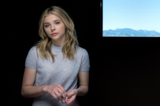 Chloe Moretz HD Wallpaper