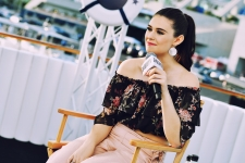 Nicole Maines HD Wallpapers