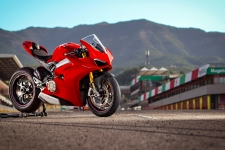 Ducati Panigale V4 HD Wallpaper