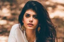 Sanjana Sanghi HD Wallpapers